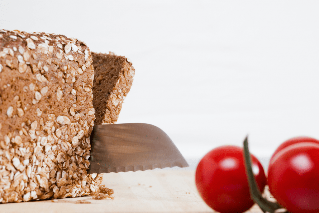 best bread knife - featured image