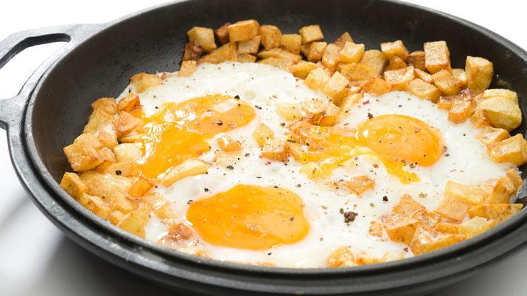 omelette in a fry pan