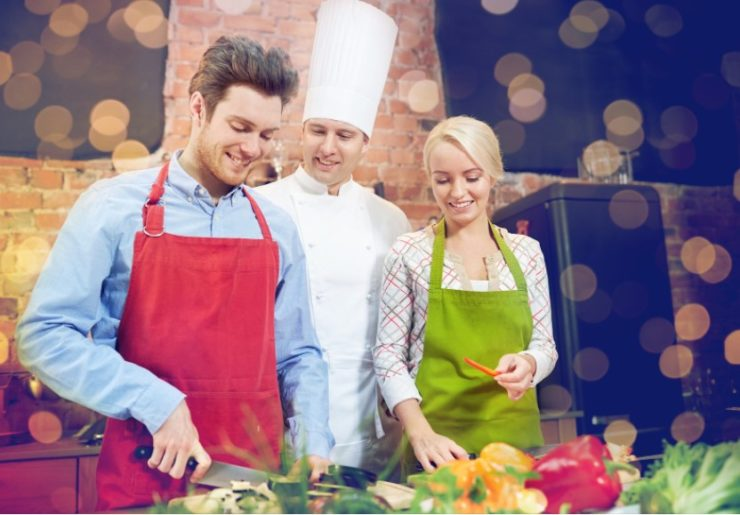 students in culinary school