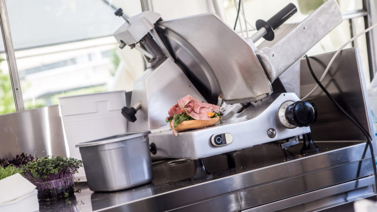 read meat slicer reviews so you get best buy for your kitchen